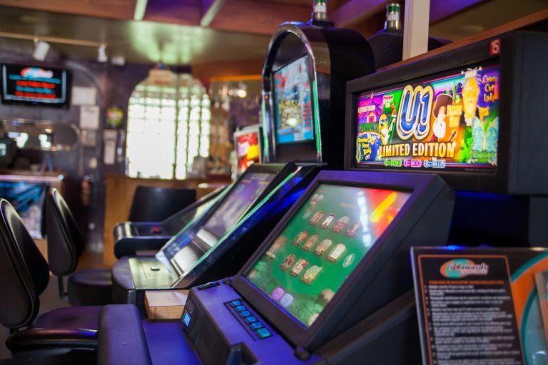 Paradise Falls Casino Machines
